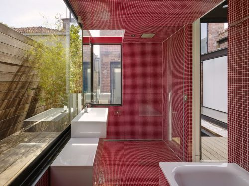 Design idea: red interior accents