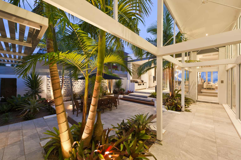 Stunning Sunken Courtyard Design For Coastal Oasis
