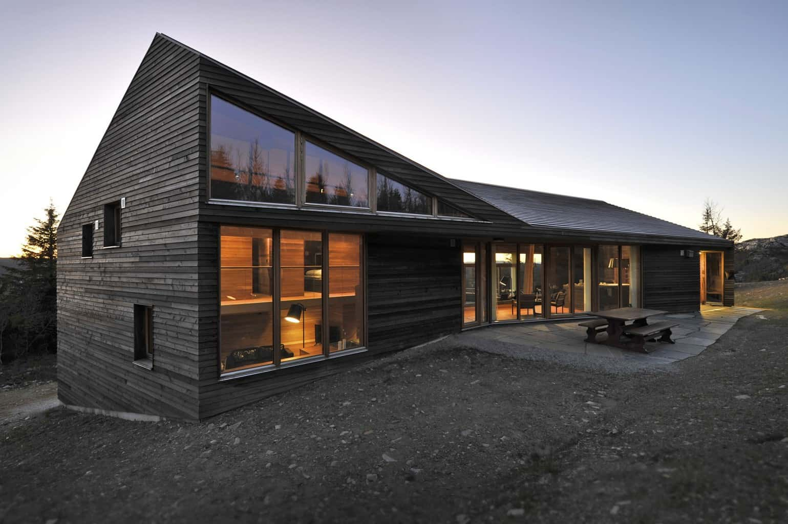 Twisted cabin architecture for home on the ski slopes of Norway