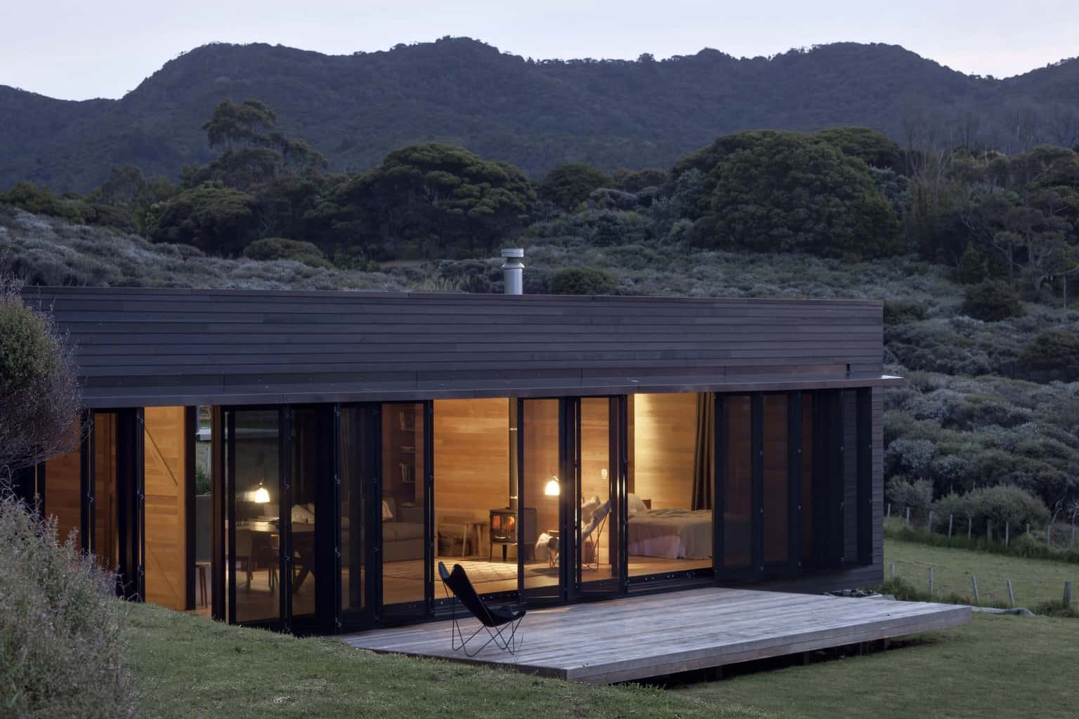 Storm cottage retreat in the NZ wilderness